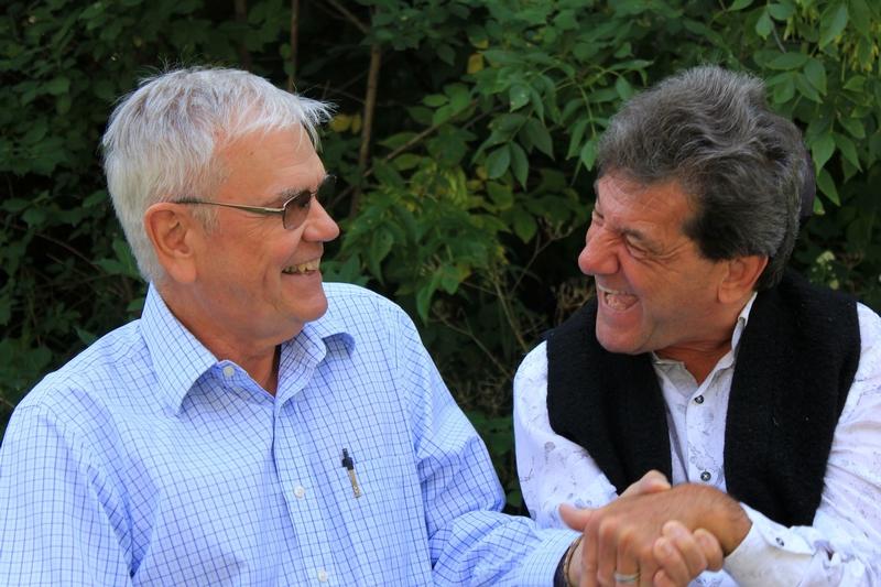 René et André discutant